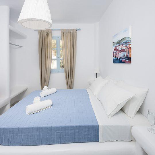 http://hotelglarosios.gr/wp-content/uploads/2017/02/1-9-540x540.jpg