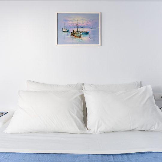 http://hotelglarosios.gr/wp-content/uploads/2017/02/2-6-540x540.jpg