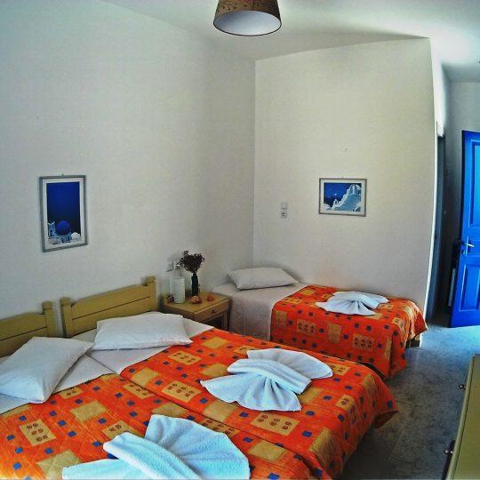http://hotelglarosios.gr/wp-content/uploads/2017/02/TripleStandar32_0005-540x540.jpg